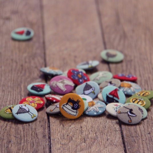 pretty badges, great little gifts