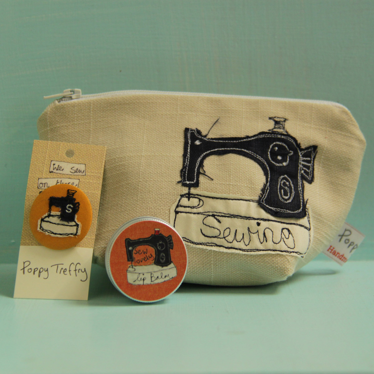 sewing-machine-gift-combo